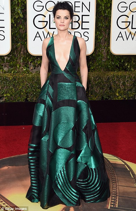 Jaimie-Alexander-Golden-Globes-Fashion-2016