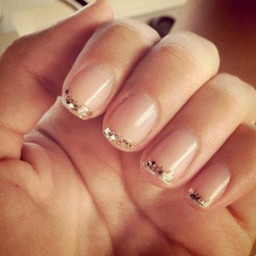 glitter-french-manicure-122538_w650