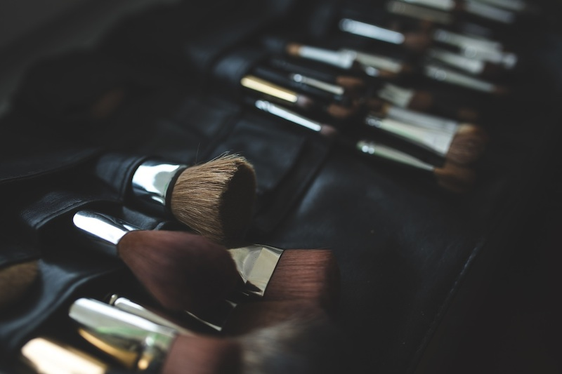 beauty-buzz-how-to-choose-the-right-makeup-brushes