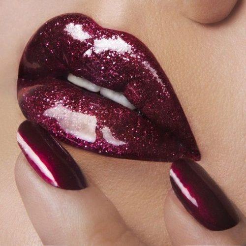 gloss sparkle lips dark red